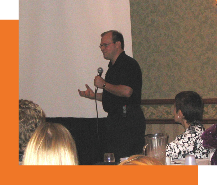 Marty Dickinson speaking at CIPA about internet marketing early in his speaking career 2007